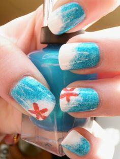Pop this friendly little starfish atop your ombre nails for a beach-ready manicure that adds flair to any summer look.