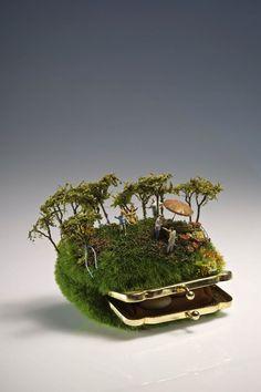 Miniature sculpture from Australian artist Kendal Murray