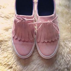 Cute Pink slipons   Phot Credit: @yakuzashao   #pink #obsessedwithpink #shoes #pinkshoes #slipons #slipon
