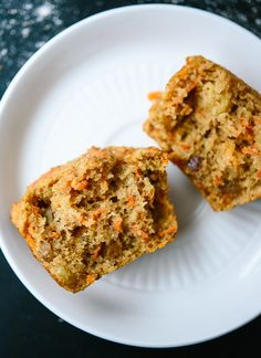 Wholesome carrot muffins that taste like carrot cake! cookieandkate.com