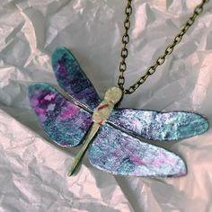 Colgante libélula. #handmade #diseñosexclusivos #barcelona #barcelonajewelry #colgantes #regalosoriginales #regalos #libélula