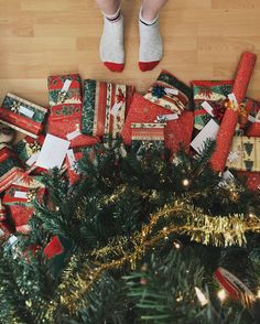 De kater komt later, zeggen ze weleens. Wie veel alcohol nuttigt kent het vast, maar de kater kan ook na Kerstmis komen. Twee feestdagen lang eten kan z'n sporen nogal nalaten. Daarom op weg naar Kerst: vijf schoonmaaktips. Helpling, een bedrijf dat schoonmaakhulpen in de aanbieding heeft,...