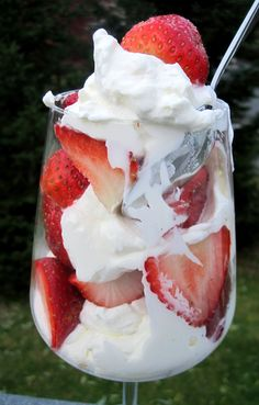 Fresas Con Crema (Strawberries with Cream). A new favorite dessert. YUM! I like it all mixed together so it's pink! YUM!