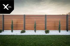Modern aluminum fence by Xcel. Wood Fence Design, Modern Fence Design, Privacy Fence Designs, Yard Design, Modern Pergola, Diy Pergola, Backyard Patio Designs, Backyard Fences, Backyard Landscaping