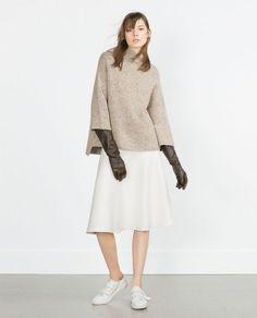 TREND ALLERT! Rękawy typu DZWONKI – sukienki, koszule i bluzki.
