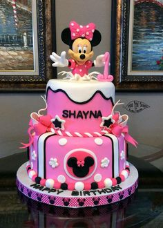 Minnie Mouse cake made using purchased doll dressed in fondant and gum paste. Mickey Mouse Torte, Minni Mouse Cake, Mickey And Minnie Cake, Bolo Mickey, Minnie Mouse Birthday Cakes, Mickey Cakes, Mickey Birthday, Birthday Cake Girls, 2nd Birthday