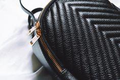 🎒Fii parte din trendul actual și exprimă-ți stilul alegând un rucsac din piele naturală sau ecologică. 🎒 Bucură-te de ✂️REDUCERI✂️de până la 50% pentru întreaga colecție de rucsacuri din piele naturală sau ecologică. 🎒 Fii, Casual, Casual Clothes