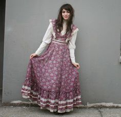 Prairie Dress: Gunne Sax Dresses <-- This is actually really cute