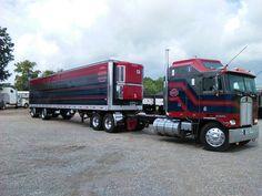 Semitrckn — Coe Kenworth custom with matchin reefer Big Rig Trucks, Semi Trucks, Cool Trucks, Custom Big Rigs, Custom Trucks, Peterbilt Trucks, Peterbilt 379, Cab Over, Trucks And Girls