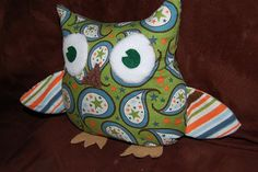 Finally found a cute, easy, free tutorial for sewing owls.  Maybe I'll work on that this weekend.