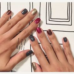 "111NAIL on Instagram: ""雑誌にあったTHREEのpolish紹介ビジュアルイメージで▪️◻️◽️ #mynail#nail#nailart#nailcolor#ワンカラー#THREE#glitter#autumn#winter#mode#シンプルネイル#mynail111"""