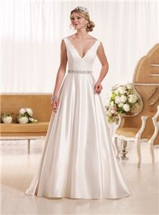 Charming V-Neck Floor-Length Backless Sleeveless Lace Appliques Ball Gown 2015 Wedding Dress