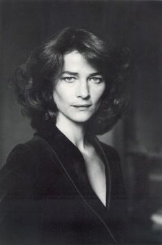 View Charlotte Rampling, Paris By Alice Springs; English Actresses, British Actresses, Hollywood Actresses, Film Home, Charlotte Rampling, Middle Aged Women, Interesting Faces, Photography Women, Female Portrait