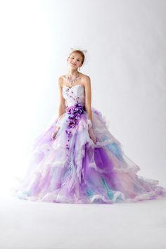 本気で可愛いカラードレス20選!ふんわりマシュマロカラーで妖精みたいな花嫁さんに♪にて紹介している画像