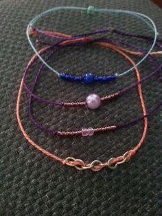 Bracelets avec perles et chaînes argent puis fils de coton