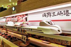 """Kaiten-zushi"" (Conveyor-Belt Sushi) | Nippon.com"