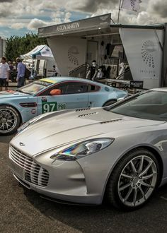 With only 77 Aston Martin One 77 cars being produced this two million dollar super car is really something to behold. Check out this amazing car. Aston Martin Lagonda, Aston Martin Vantage, My Dream Car, Dream Cars, Automobile Companies, Weird Cars, Hot Rides, Maybach, Car In The World