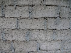 Papercrete??  What's that??    That's the response I always get when I'm describing my favorite building material.  Not surprising since it occupies a spot in that backwater known as 'alternative building materials'.  Papercrete is just what it sounds like actually.  It's concrete made with paper.  I tell people to think of it as industrial paper mache.