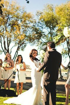 Real #wedding ideas: Jenna and Troy - US weddings - outdoor weddings http://www.weddingandweddingflowers.co.uk/article.php?id=673 Photography: Lindsey Gomes