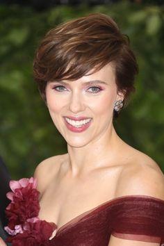 I migliori colori di capelli ispirati alle star. Scarlett JohanssonCharlize  TheronVedova ... bd9435f8513d