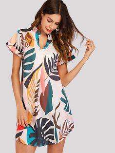 Shop Tropical Print V Cut Curved Hem Dress online. SHEIN offers Tropical Print V Cut Curved Hem Dress & more to fit your fashionable needs. Fashion News, Fashion Beauty, Ladies Fashion, Womens Fashion, Girl Fashion, Mode Boho, V Cuts, Latest Dress, Asymmetrical Dress