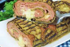 Il rollè di melanzane è una ricetta sfiziosa e saporita: una pietanza succulenta da servire per una cena con gli amici. Una variante gustosa e ricca del classico polpettone di carne. Ecco come prepararlo!