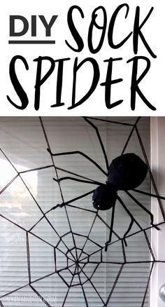 DIY Sock Spider and Spiderweb - Scratch and Stitch Diy Halloween Graveyard, Easy Halloween Decorations, Halloween Trees, Halloween Spider, Halloween Crafts, Holiday Decorations, Halloween 2020, Halloween Stuff, Holiday Crafts
