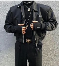 There is 1 tip to buy jacket, black, black bomber jacket. Grunge Outfits, Edgy Outfits, Classy Outfits, Fashion Outfits, Work Outfits, Korean Fashion Men, Mens Fashion, Street Fashion, Mode Grunge