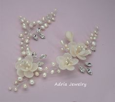 Check our Ready to Ship Pieces with great Discount !!! https://www.etsy.com/shop/adriajewelry?ref=hdr_shop_menu&section_id=20069708 ~~~~~~~~~~~~~~~~~~~~~~~~~~~~~~~~~~~~~~~~~~~~~~~~~~~~~~~~~~~~~~  ***Available in Gold and Silver. *** Flowers available in Off White pink . Other color flowers can be made. *** Length and shape can be customized. *** Can be made into headband and brooch *** Vines are flexible so you can bend it to fit your hairstyle. Material: white color freshwater pearls…