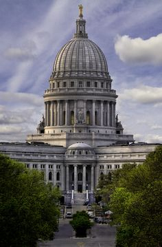 Wisconsin State Capitol, Madison via breathtakingdestinations.tumblr.com