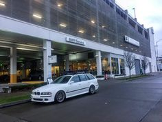 """161 Me gusta, 15 comentarios - TimA (@flipdaskript) en Instagram: """"Stopped in the city to check out another S62 swapped car..... #bmw #seattle #pnwbmw #e39 #m5touring…"""""""
