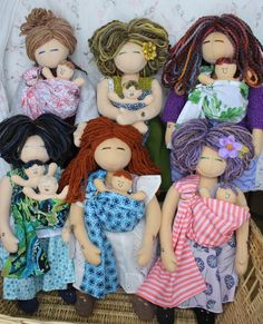 birthing and breastfeeding dolls. Doula, Nifty, Breastfeeding, Little Girls, Massage, Sewing Projects, Couture, Games, Toys