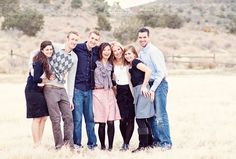 family with adults, adults family session, poses for big family, enchanted window photography