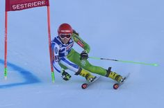 Slovenia's Ana Drev competes during the FIS Alpine World Cup Women Giant Slalom on December 10, 2016 in Sestriere, Italian Alps.  / AFP / GIUSEPPE CACACE