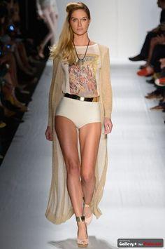 Bom dia!!!  Agora no blog a marca carioca #Auslander que deixou de ser tão street e colocou um toque super glam em sua coleção!  http://papodeestilo.com.br/2012/05/auslander-super-glam-fashion-rio/  #fashionrio #FR #pdeblog #desfiles #fashio