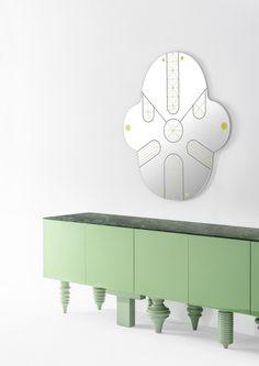Acquista on-line King kong By bd barcelona design, specchio a parete design Jaime Hayón, Collezione showtime