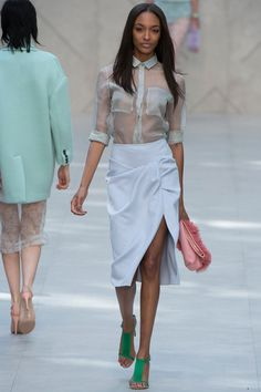 Burberry Prorsum Spring 2014 Ready-to-Wear Collection Slideshow on Style.com Look 9, taske i tyl <3