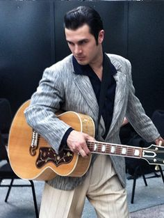 7 Things You Didn't Know about TVD's Michael Malarkey