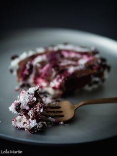 Bûche express façon Forêt Noire – je vais vous cuisiner Facon, Desserts, Chocolate Curls, Chantilly Cream, Tailgate Desserts, Deserts, Dessert, Food Deserts