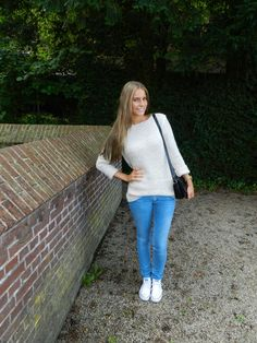 White #Converse #Chucks Chuck Taylor low-tops; #tennis shoes; #trainers (My Diary of Style)