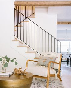 House Tour: Beige (But Not Boring) in Laguna Beach - Emily Henderson Designer Amy Oppedisano shares the minimalist, neutral and serene townhouse she renovated for her young family of four. Living Room Interior, Home Living Room, Living Room Designs, Living Room Decor, Dining Room, Minimalist Furniture, Minimalist Home, Minimalist Design, Style At Home