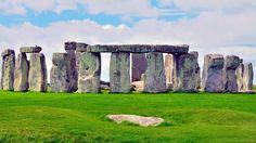 Templul #Stonehenge, Marea Britanie  23 de poze cu cele mai frumoase biserici si temple din lume.  Vezi mai multe poze pe www.ghiduri-turistice.info  Sursa : www.pinterest.com/pin/17451517276021928/