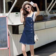 Đầm jean yếm phối nút thời trang
