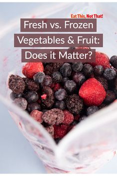 There has been a long-standing debate over the matchup of fresh vs frozen produce. Some forms are better than others, see if it's frozen or fresh. Freezing Vegetables, Frozen Vegetables, Best Smoothie Recipes, Good Smoothies, Frozen Fruit, Fresh Fruit, Healthy Fruits, Healthy Eating, Healthy Plate