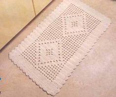 Crochet Mat, Crochet Books, Free Crochet, Knit Rug, Table Covers, Doilies, Rugs On Carpet, Diy And Crafts, Patches