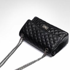 Quilted Chain Strap Small Crossbody Bag