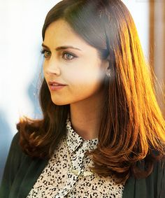 Clara Oswin Oswald - she was born to save the doctor. Love her eyes in this picture Jenna Coleman Hair, Doctor Who Clara, Doctor Who Companions, Rory Williams, British Actresses, Blackpool, Beautiful Actresses, Hair Inspiration, Character Inspiration