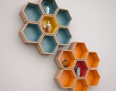 Honeycomb Wall Shelf on Behance Honeycomb Shelves, Hexagon Shelves, Popsicle Stick Crafts House, Craft Stick Crafts, Bookshelf Design, Wall Shelves Design, Shelf Wall, Wall Decor Design, House Plants Decor