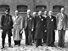 Members of the Dutch nazi party NSB. Third from the left Max Blokzijl and next to him the leader of the NSB Anton Mussert