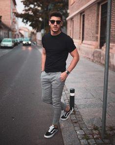 Macho Moda - Blog de Moda Masculina: SNEAKERS: 5 Detalhes que podem DESTRUIR o seu Visual (e você não repara) Nike Blazer Outfit, Adidas Shoes Outfit, Grunge Style, Style Indie, Soft Grunge, Hippie Men, Mens Boots Fashion, Sneakers Fashion, Fashion Outfits